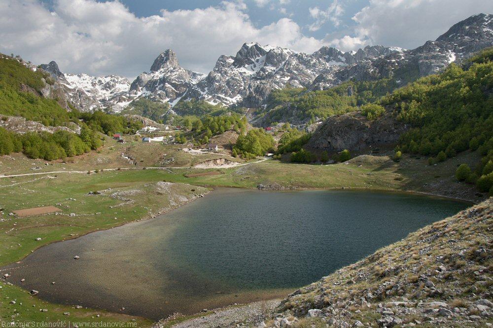 Букумирско-озеро