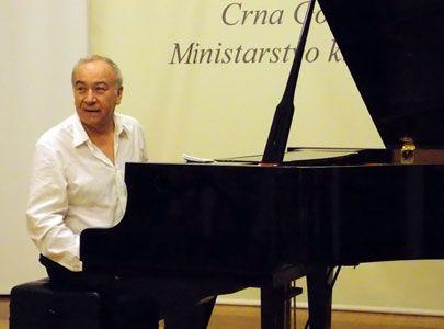 pianist 00000